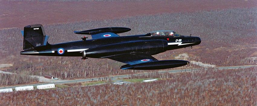 CF100-02_xs